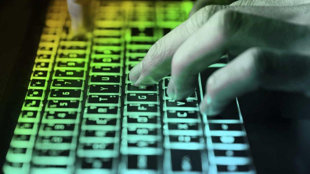 """""""Operação 404"""": bloqueio de sites e aplicativos ilegais no Brasil"""